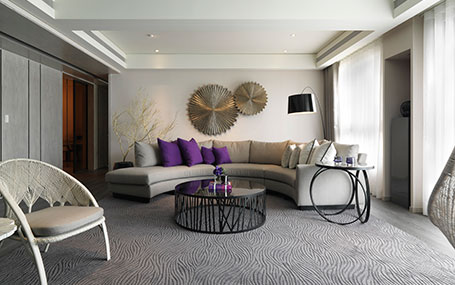 Modern Purple, Luxurious Space